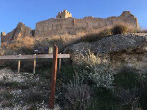 Senderos de acceso al castillo