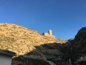 Castillo de Cadrete visto desde el pueblo